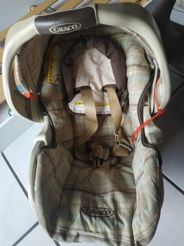 Vendo ou Troco Carrinho Graco + Bebê Conforto + Base do carro - Foto 5