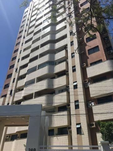 AP1037 Edifício Iran Rabelo, apartamento na Varjota, 3 suítes, 2 vagas, projetado