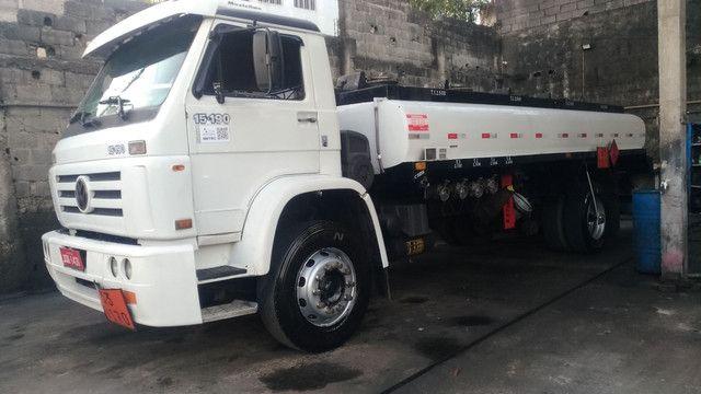 Caminhão Tanque Volkswagem 15190 toco de 10 mil litros - Foto 2