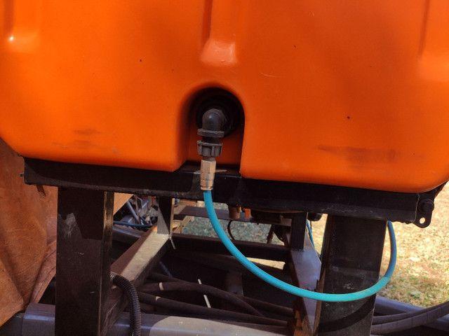 Tanque pulverizador inoculante Micron para plantadeiras Genius 600 litros  - Foto 4
