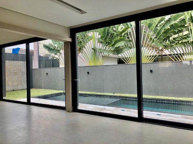 """Vendo Casa contendo 4 suítes - Condomínio Ecoville """"Construção Nova"""" - Foto 6"""
