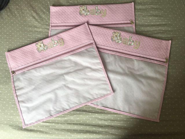 Kit com 3 sacos organizadores para maternidade