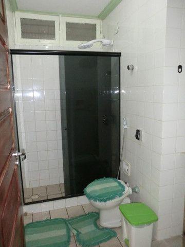 Casa com 5 quartos sendo 2 suíte, lado do mar e próximo a avenida em Pau Amarelo - Foto 9