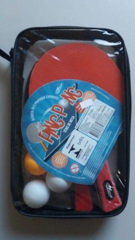 Kit Ping Pong Tênis De Mesa 2 Raquetes 3 Bolinhas E Estojo - Foto 2