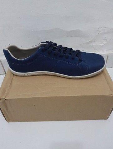 Vendo 2 pares de sapatos na numeração 42 nunca foram usados  - Foto 3