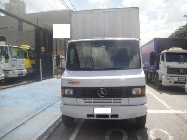 Mercedes-Benz 710 2011 - Foto 2