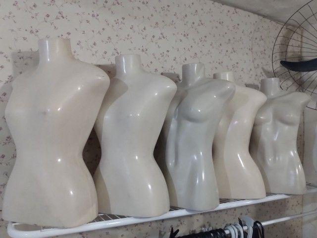 Manequins de busto feminino