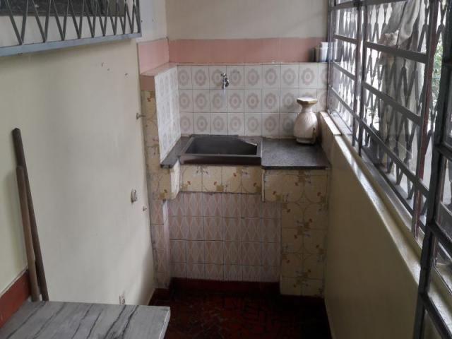 Casa com 04 quartos 02 vagas e ótima localização - Foto 4