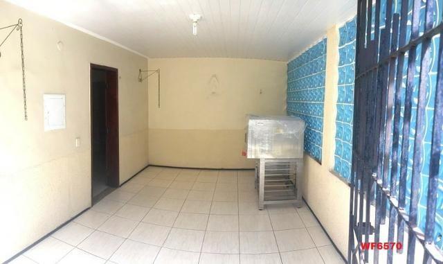 Casa na Aldeota, ponto comercial de esquina, 4 quartos, 2 vagas, próximo a Dom Luís - Foto 8