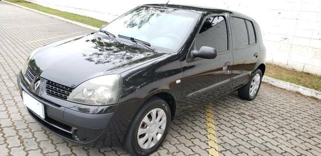 Clio hatch 1.6 ano 2005 !!