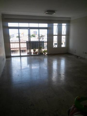Vendo apartamento 3/4 (1 suíte) no Centro