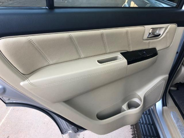 Toyota Hilux SW4 5 lugares - absolutamente impecável - Foto 8