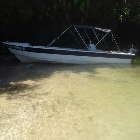 Barco de fibra 5,30 mts motor Mercury 40 hp partida eletrica