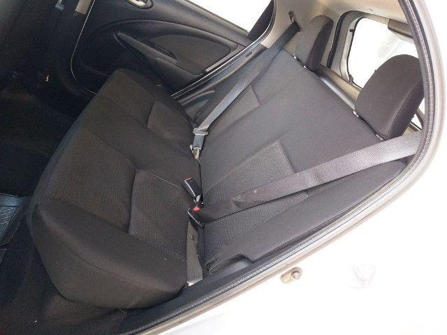 Toyota Etios Hatch 1.3 X Flex - 2013/2014 - R$ 34.000,00 - Foto 8
