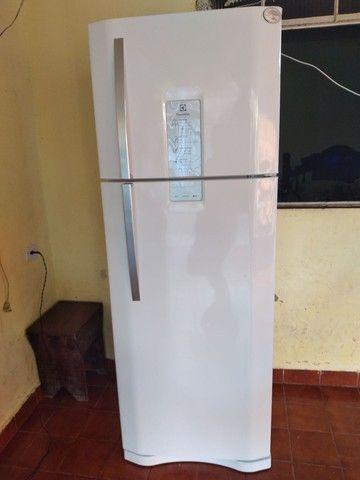 Vendo geladeira leia o anúncio