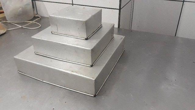 Conjunto de Formas De Bolo Quadrado Alumínio  -Redenção/Ce