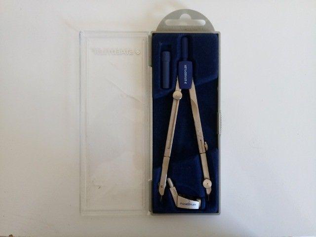 Compasso de Metal com Perna Articulada, Staedtler, 558 01, + Acessórios - Foto 3