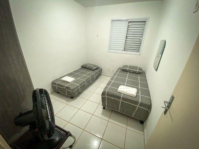 Locação Por Temporada) Apartamento mobiliado - Foto 5