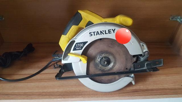 Serra circular Stanley semi nova