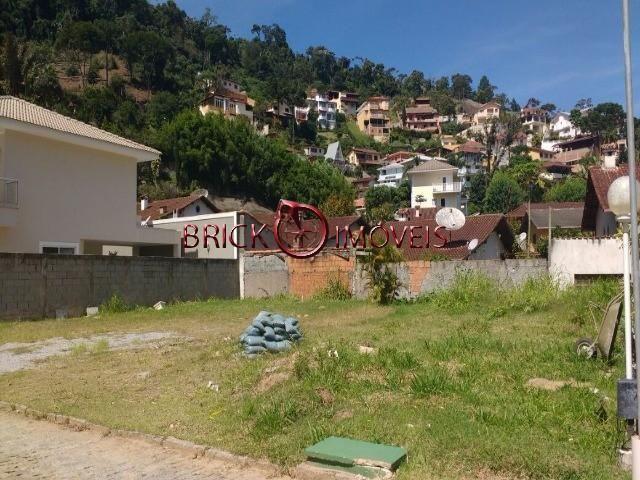 Excelente terreno plano com 331 m² em condomínio alto padrão em teresópolis - Foto 3