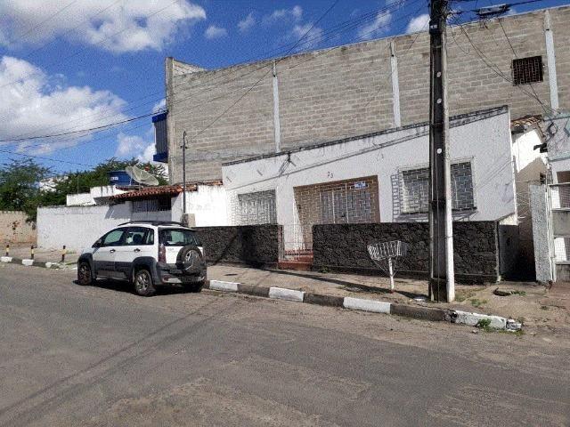 Alugo Casa no Centro de Feira de Santana - Excelente Localização!