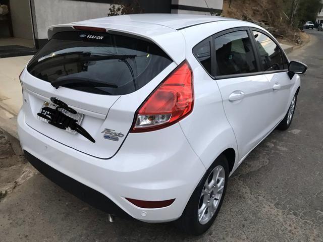 OPORTUNIDADE - Fiesta sel 1.6 aut. 2017. unico dono - Foto 2