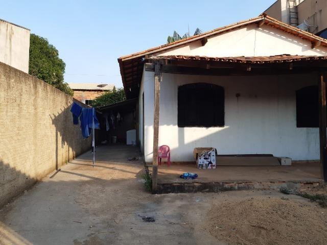Vendo uma casa na 3ª etapa cidade jardim por trás da av d - Foto 2