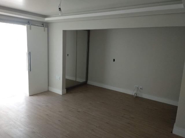 Amplo apartamento térreo - São Sebastião - POA - Foto 2