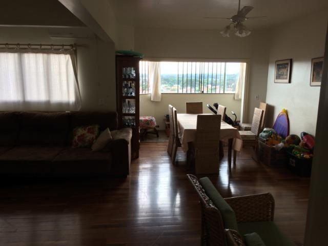 Apartamento 135 m2 na Rua Prudente de Moraes - Centro- 3 quartos