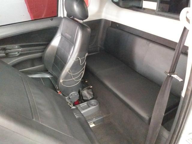 Vw Saveiro Cross Gnv troco carro ou moto maior ou menor valor e financi - Foto 17