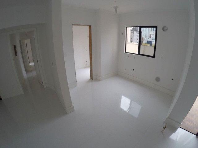 Excelente apartamento novo com uma área externa diferenciada! Quadra mar! - Foto 16