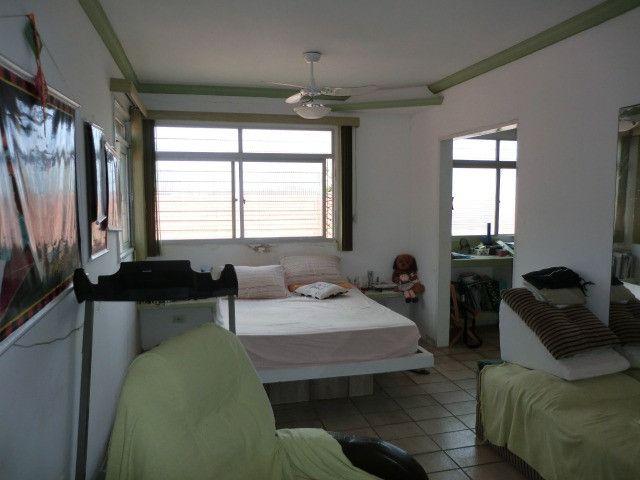 Casa com 5 quartos sendo 2 suíte, lado do mar e próximo a avenida em Pau Amarelo - Foto 12