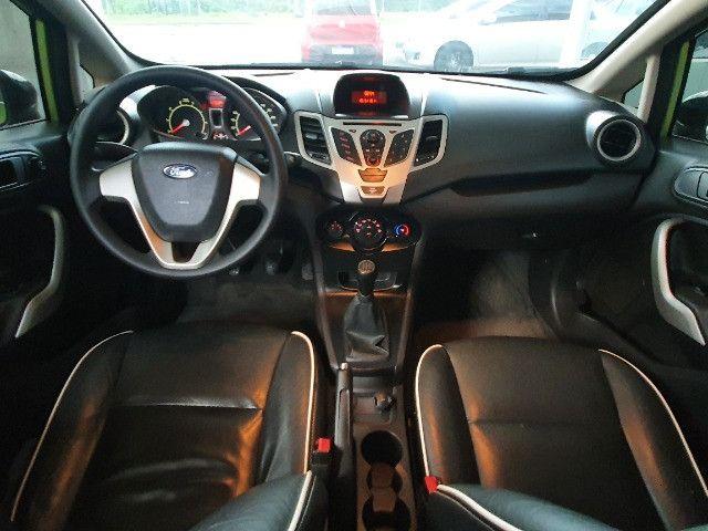 Ford-Fiesta Sedan 1.6 SE Flex Ano 2012 - Foto 7