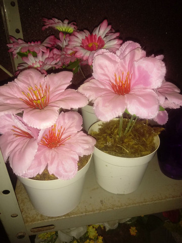 Arranjos de flores artificiais diverssos - Foto 6