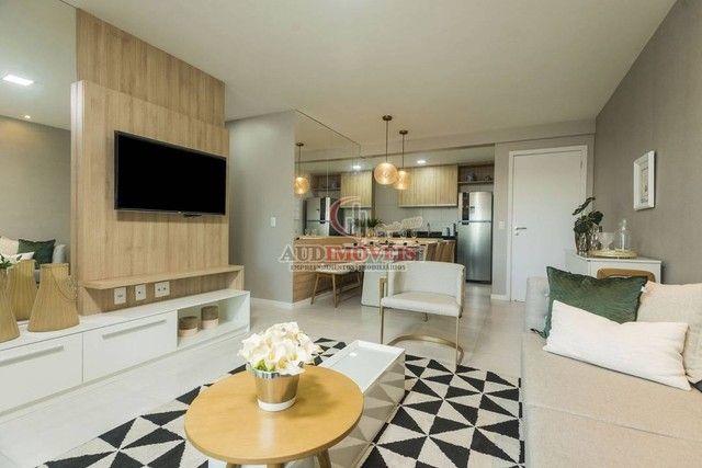 Apartamento para venda possui 90 metros quadrados com 3 quartos em Guararapes - Fortaleza  - Foto 2
