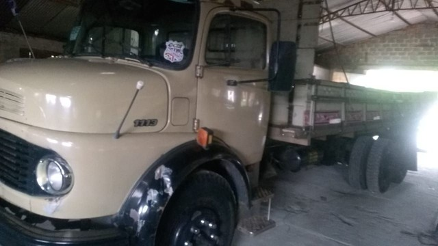 Vendo ou troco Mercedes 1113 truck - Foto 4