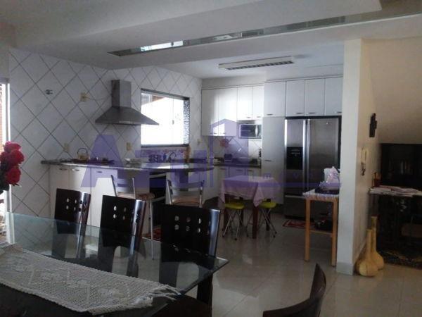 Casa sobrado com 4 quartos - Bairro Jardim da Luz em Goiânia - Foto 6