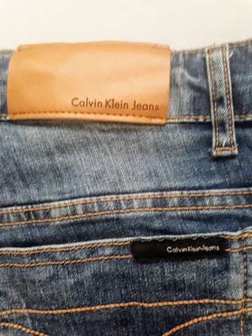 Bermuda Calvin Klein Jeans Original  - Foto 5