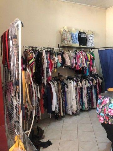 Vendo loja de roupas novas e usadas  - Foto 2