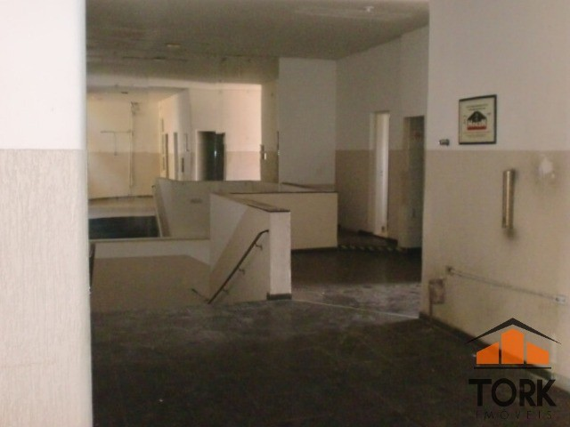Comercial no Jd. Bongiovani 1.100 m² - Foto 8