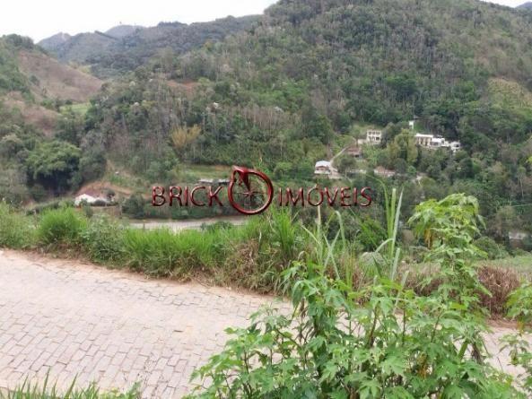 Terreno de 70 mil m² com potencial para ser um condomínio em pessegueiros, teresópolis - Foto 3