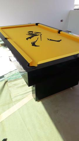 Mesa Sedução   Mesa Preta   Tecido Amarelo   Johnnie Walker   Modelo: XZOQ8854 - Foto 2