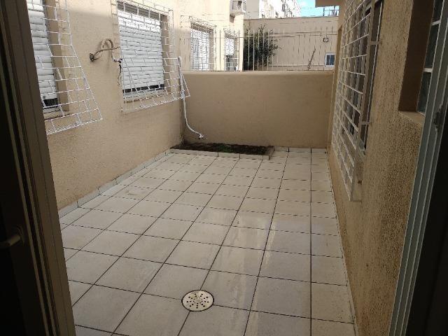 Amplo apartamento térreo - São Sebastião - POA - Foto 16