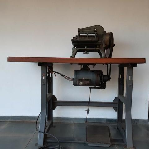 Maquina de cortar tiras de couro Cardoso