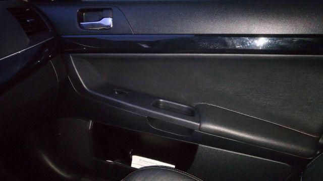 Lancer GT 2.0 2012 Preto Couro CVT 160CV cam ré teto 9 airbags ABS pneus novos - Foto 8