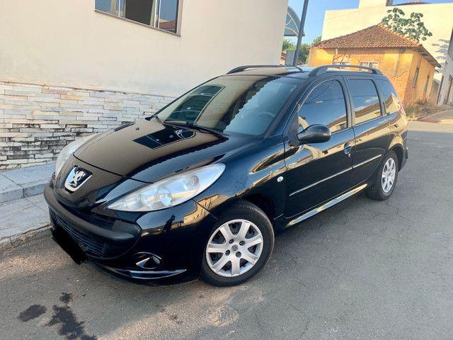 Peugeot 207 1.4 8V Flex 2009 - completa