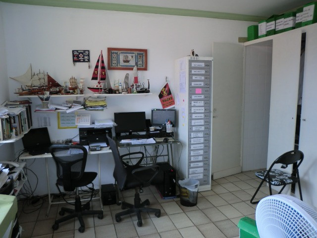 Casa com 5 quartos sendo 2 suíte, lado do mar e próximo a avenida em Pau Amarelo - Foto 13