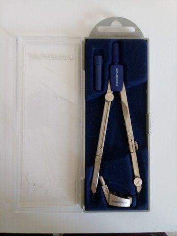 Compasso de Metal com Perna Articulada, Staedtler, 558 01, + Acessórios - Foto 4