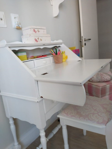 Escrivaninha laqueada com cadeira R$500,00 - Foto 6