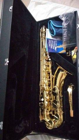 Saxofone Jupiter JTS587GL